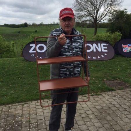 Finn Kristensen kom ikke blandt de fem rækkevindere, men vandt dette flotte bord fra ZONE